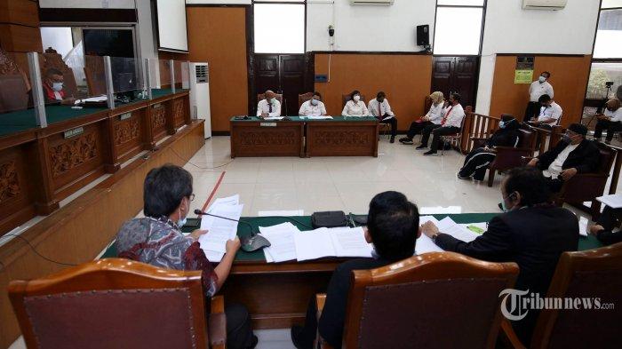 Saksi Sebut Polisi & TNI Hadir Serta Nikmati Acara Keagamaan di Petamburan