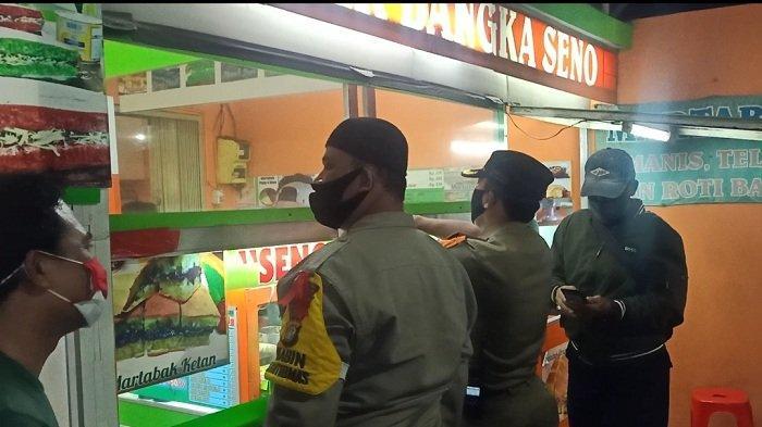 Warung Martabak di Kalisari Disidak Satpol PP & Polisi Nekat Beroperasi Saat Malam Tahun Baru
